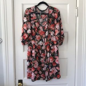 Beautiful roses tunic by Feathers size 2X
